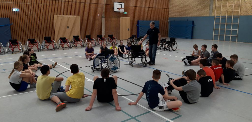Rollstuhlbasketball an der Richard-Hallmann-Schule